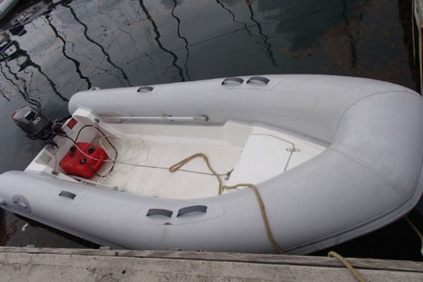Dinghy 14ft/30hp